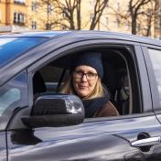 Karin i bil
